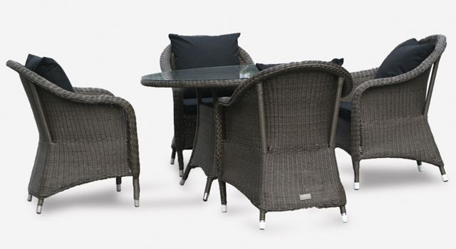 villa cabana wicker round table and four chairs